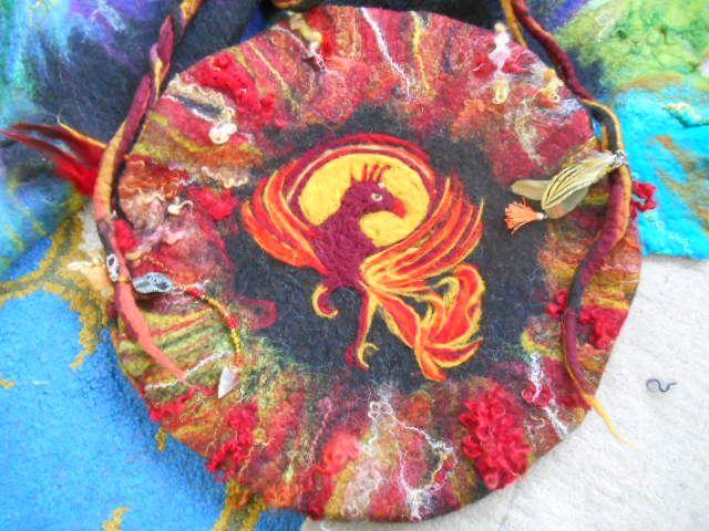Rising phönix Trommeltasche 55 x 55 cm groß Preis 170€, handgenäht, handgefilzt mit 80 cm Reisverschluss