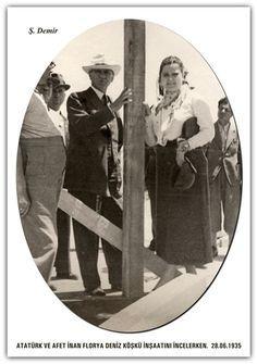 ATATÜRK VE AFET İNAN FLORYA DENİZ KÖŞKÜ İNŞAATINI İNCELERKEN. 28.06.1935