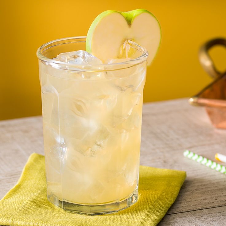 A perfect drink to transition from Summer to Fall, Jim Beam® Apple Bourbon Lemonade. Combine green apple infused bourbon with fresh lemonade and serve in a tall glass.