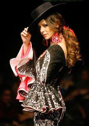 Fashion flamenca with Eva Gonzalez.                                                                                                                                                     Más