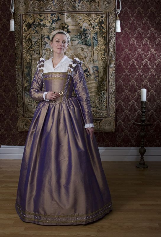 A gown of lavender changeable silk taffeta in the style of the French in the 1560s