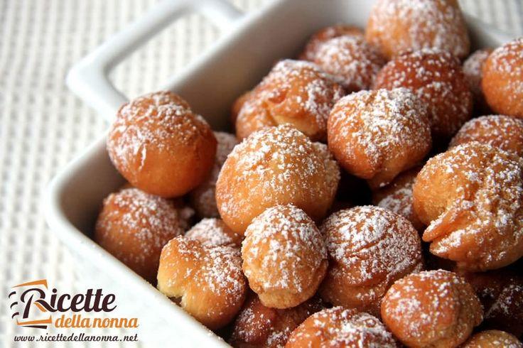 Le castagnole sono uno dei dolci più tipici del Carnevale molto apprezzato nelle sue diverse varianti. La ricetta presentata di seguito è quella originale