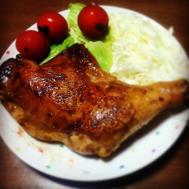 今晩のおかずは肉がぶり! #男飯 #父子家庭 #肉 #ハイエナ的子供 #鶏肉はしっかり焼こう #明日は勉強会 #気合 #カイロプラクティックリメイク