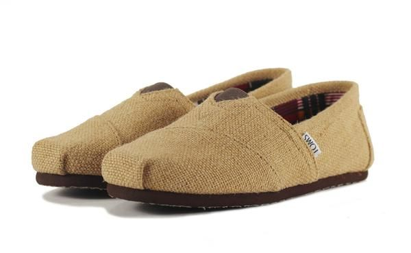 Toms for Women: Classic Natural Burlap -   The foundation to the One for One movement: TOMS Original Classics. When Blake saw the traditional alpargata in Argentina, he recognized a solution to the shoeless children enduring hardship around him, and started TOMS.  Canvas upper with TOMS toe-stitch, and elastic V for easy on and off TOMS classic suede insole with cushion for comfort Latex arch insert for added support One-piece mixed-rubber outsole for resilience, flexibility and durability