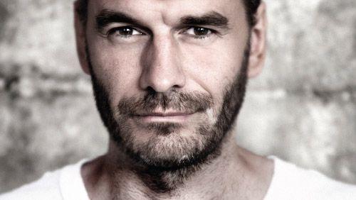 Hvordan er det at være iværksætter? Læs om Jesper Buch, der started Just-Eat.dk i en kælder i Kolding.