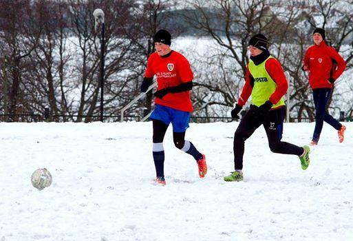 Zdjęcie: Że… niby… za zimno…? E, tam! Gdzie, tam! :-)  (fot. K. Krzemiński)