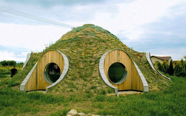 Casas feitas de terra: conheça a bioconstrução - Casa