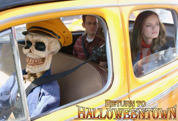 return to halloweentown on disney channel