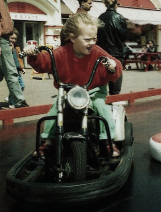 Young Adele - on the move!