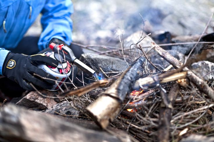 The easiest way to start a fire is with great heat and great power. Firestarter is great to bring to the campfire.