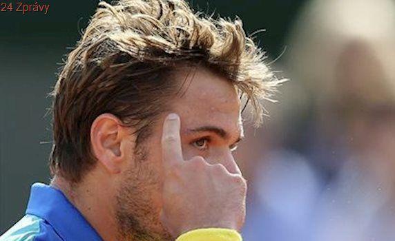 Wawrinka v pěti setech vyřadil Murrayho a je ve finále, Hradecká se Siniakovou vypadly