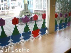 * Lentebloemen op het raam!