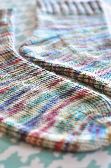 Little Bit Funky: how to knit socks {a beginning beginners guide to getting started}