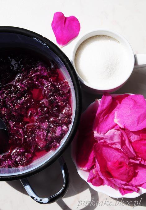 Konfitura z płatków róży, tarte płatki róży, cukier różany