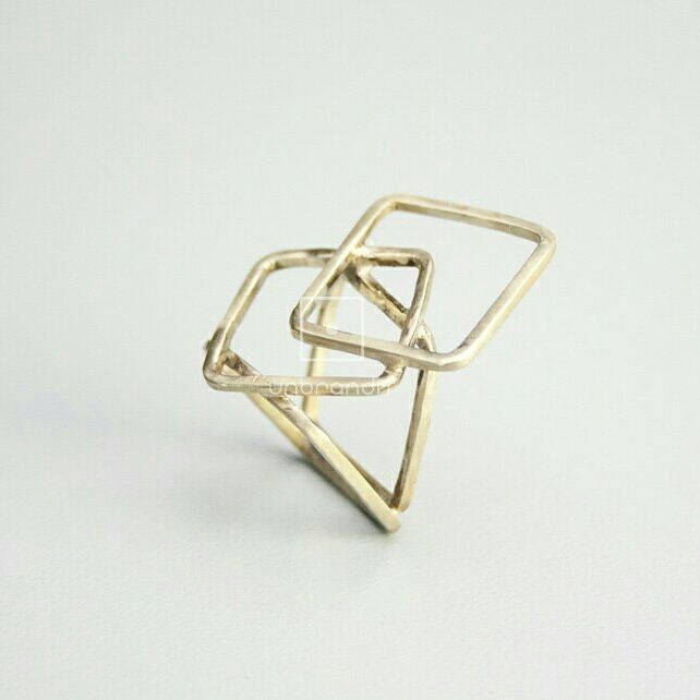 #handmade #jewlery #jewlerydesign #ring #nickelsilver #geometric#greekdesigner #square #χειροποίητο…""