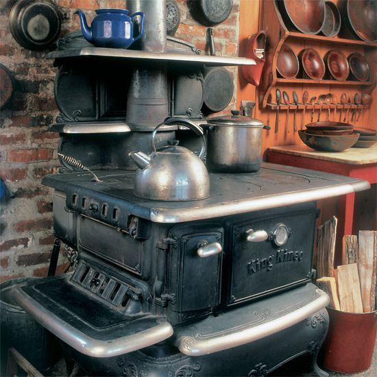 The Art of the Wood-Burning Cookstove - Homesteading and Livestock - MOTHER EARTH NEWS