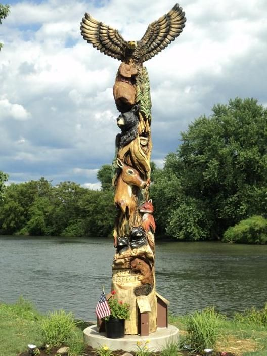 Chainsaw carved totem pole art pinterest