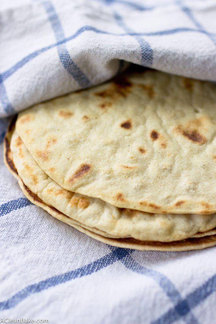 Grão livre tortillas são fáceis de fazer com alguns ingredientes simples e uma panela.  Agora você pode ter tacos novamente!  Estes são a porca livra, sem glúten, e paleo amigável, e também pode ser feita de ovo livre e vegan.