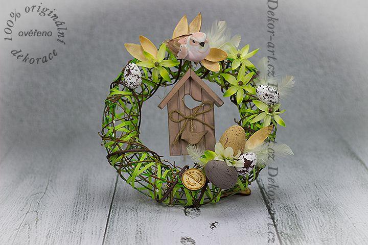 #Velikonoční závěsný #věneček na dveře.