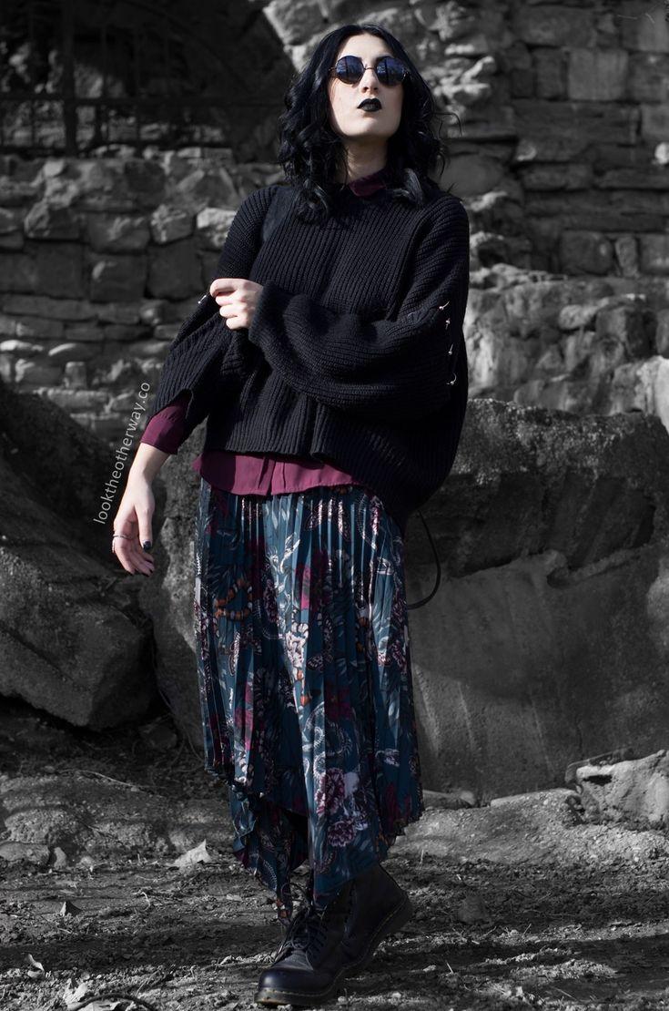 The Serpent - Style Suggestions - Looktheotherway.co  #grunge #grungegirl #grungestyle #gothic #gothgirl