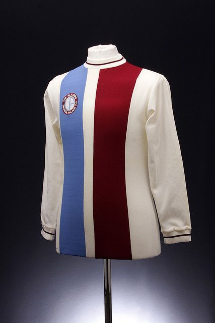 Crystal Palace Football Shirt (1972-1973, home)