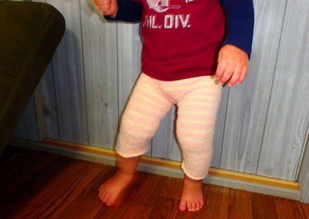 すぐにサイズアウトする子ども服は、あまりお金をかけずにそろえたいもの。そこで今回は「100均の靴下」をリメイクして、「ベビーレギンス」を作る方法を紹介します。これなら着替えの回数が多い赤ちゃんの服も、たくさん用意できますよ。超簡単!も...
