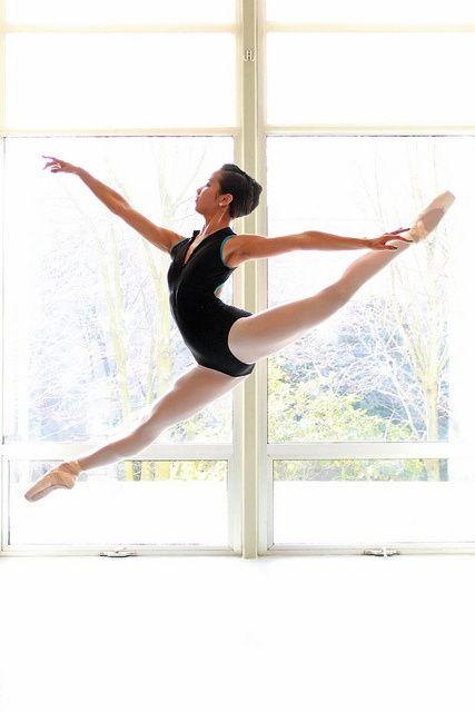 Amanda Loh-amazing legs and | http://elegantdances.blogspot.com
