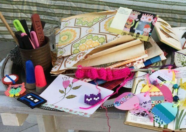 365 moodboards in 2014. Moodboard #115: Et bord fyldt med glæde og taknemmelighed. Bytte bytte købmand kreapakke og retrotapet. Fotograf: Susanne Randers