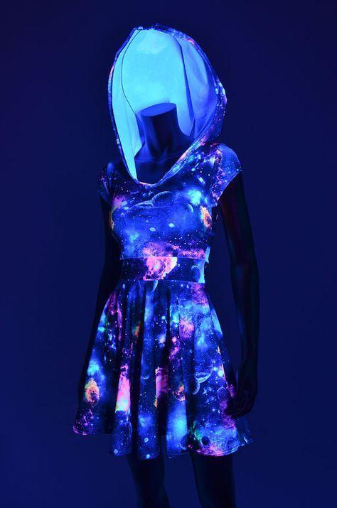 UV Glow Galaxy Print Hoodie Cap Sleeve Fit und von CoquetryClothing #festival