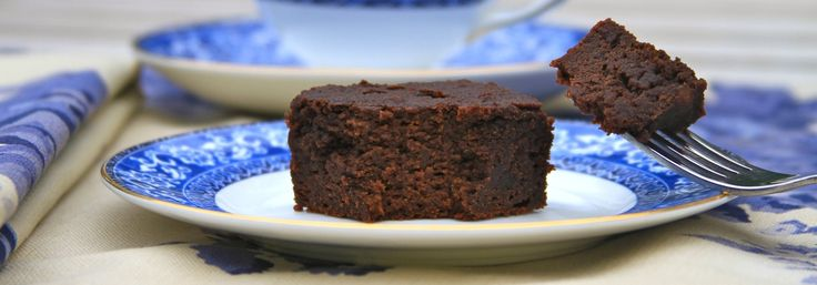 """Chocolate Paleo Snack Cakeis fast becoming my boys' favorite snack during our after school """"tea time"""".Before moving on to homework or other activities after school we take a few minutes for tea a..."""