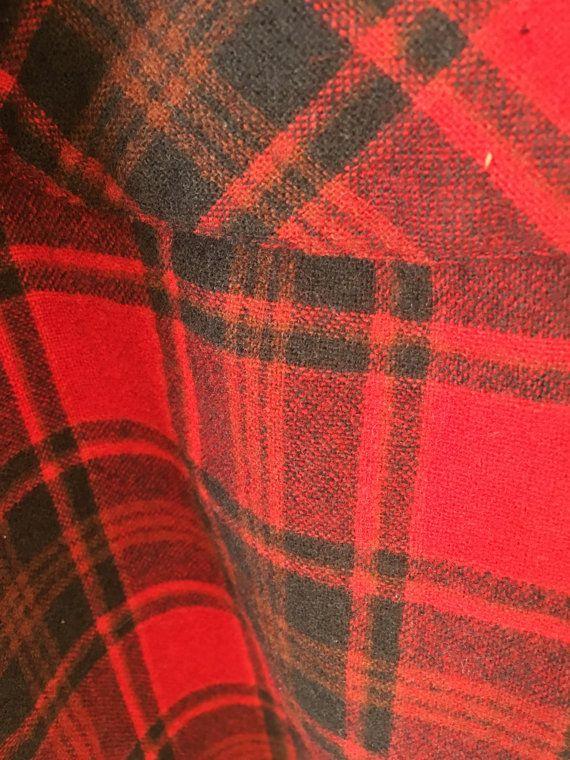 Negro y rojo de la camisa de franela vintage por TimelessOutfitters