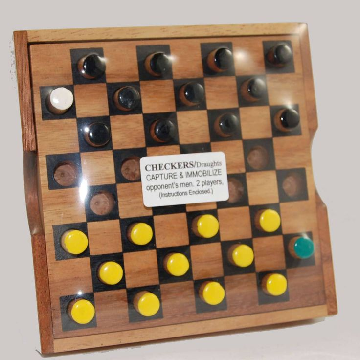 Classic Wooden Boxed Draughts (Checkers) Game