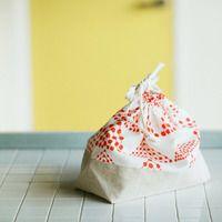 お気に入りの布で手作りしちゃお♡「巾着袋」の作り方とみんなのおしゃれ巾着