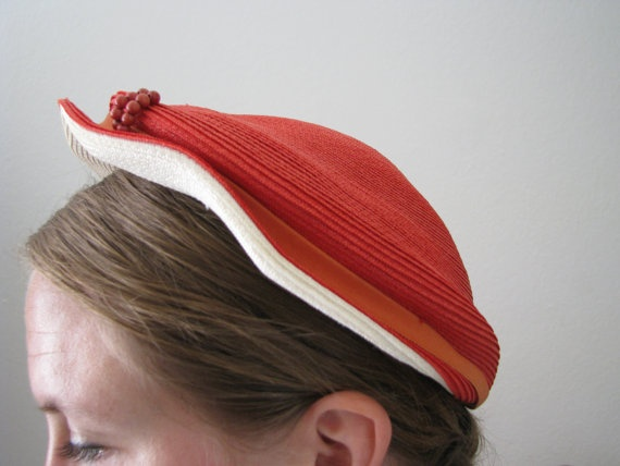 50s Red Woven Cap w/ Wooden Pearls // Vintage Flat Summer Beret