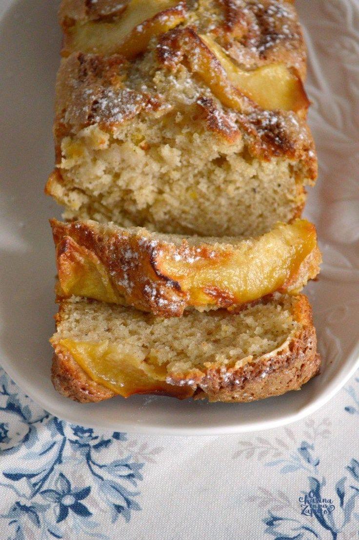 Bizcocho de Yogur y Manzana | CON HARINA EN MIS ZAPATOS