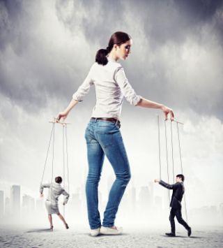 """Le caratteristiche della personalità #narcisista così com'è comunemente intesa sono note praticamente a tutti. Meno conosciute sono invece le caratteristiche del #narcisismo """"covert"""" che si presentano nelle persone che non manifestano in maniera aperta il loro bisogno di grandiosità ma che, attraverso modalità talvolta anche molto manipolative, esprimono la loro #sofferenza ricercando un controllo sugli altri."""
