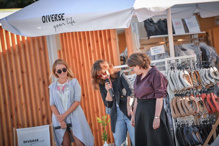 Przedostatnie warsztaty z serii Diverse Your Life w #DiverseSummerPopUpStore - odwiedziła nas #Radzka <3 Rozmawialiśmy o modzie, idealnym dopasowaniu ciuchów do swojej sylwetki i unikaniu modowych wpadek. Było inspirująco!  #moda #fashion #sopot #sopotcollection #diverse #diversesystem #beach #plaża #fun #summer #lato