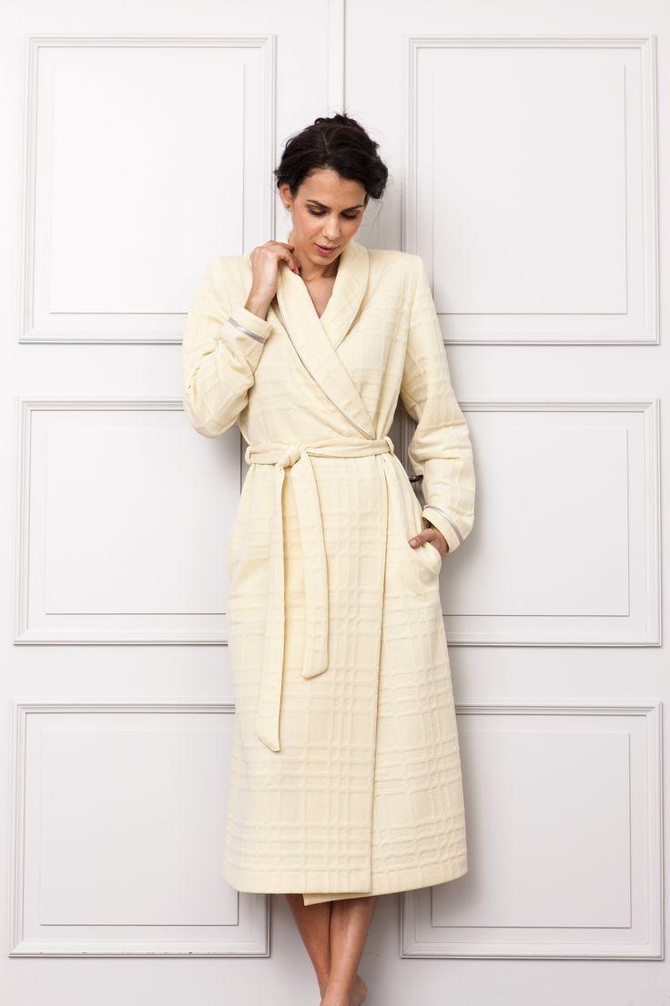 Women's Yellow Relaxed jacquard winter coat. Homewear& Nightwear fall/winter 2017/18 collection.