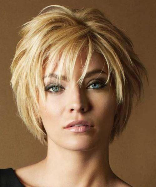 Kısa saç modelleri, her sezona damgasını vuran kuşkusuz ki son zamanlarda da moda olan saç modelleri arasında yer alıyor. Daha çok rahatına düşkün olan hanımlar tarafından sıklıkla ku