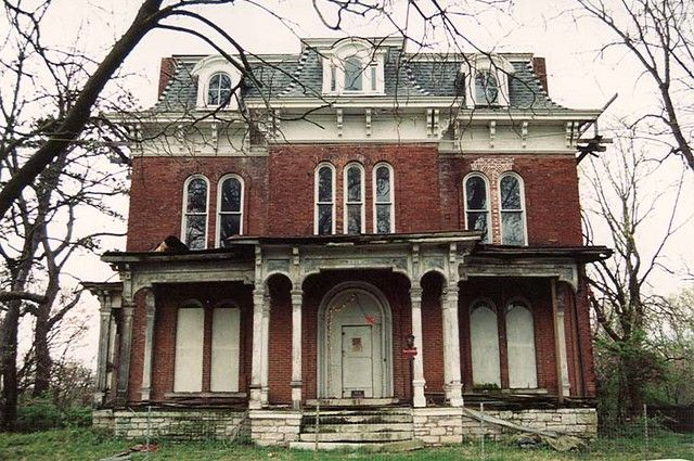 A Blog Dedicated To Beautiful Victorian Homes Disclaimer These Photos Do Not Belong To Me Unless Victorian Homes Dream House Exterior Victorian Architecture
