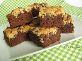 Tipici dolcetti di origine americana, morbidi e golosi con in più la croccantezza del crumble... una bontà!!           Ingr:     Per i ...