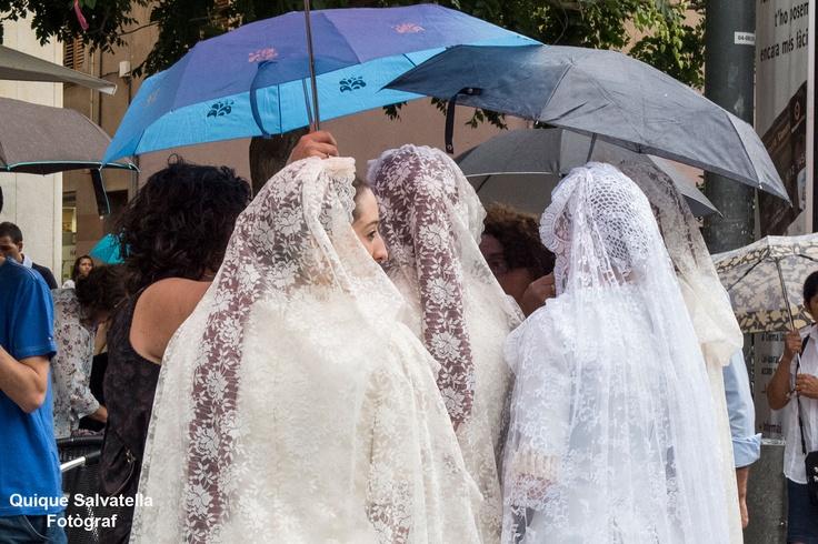 La pluja ha fet acte de presencia durant l'acte del ball de plaça, encara que per sort no ha pogut deslluir l'acte