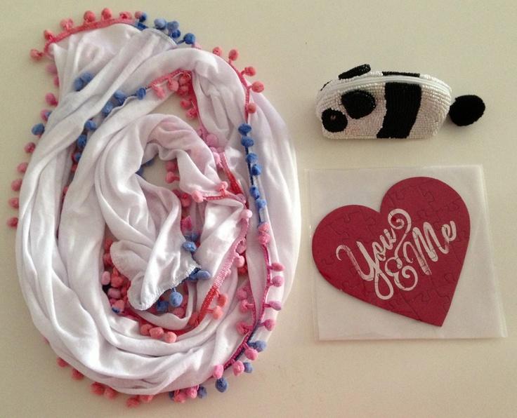 Pom pom scarf, love!!  #pompomscarf #seed #pandapurse #loveheart