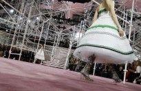 2015 - Πώς φτιάχνεται ένα φόρεμα Dior;
