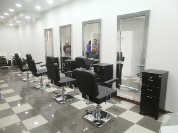 muebles y equipos para salones de belleza y peluqueras