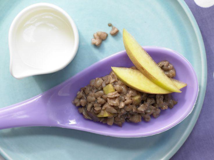 Schoko-Milchreis mit Pfirsich - Kinderfrühstück (1–6 Jahre) - smarter - Kalorien: 254 Kcal - Zeit: 10 Min.   eatsmarter.de