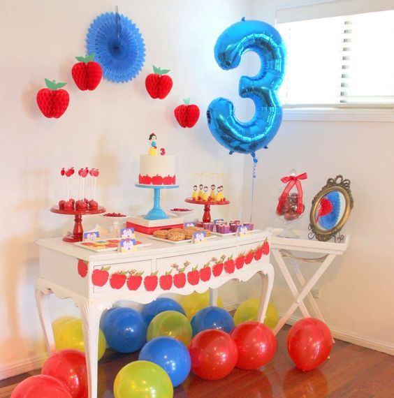 Snow White birthday party! See more party ideas at CatchMyParty.com!