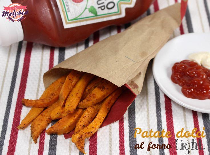 Le patate dolci al forno light sono uno snack incredibile: appaganti e deliziose come le patate fritte tradizionali, ma incredibilmente piu' leggere e sane!