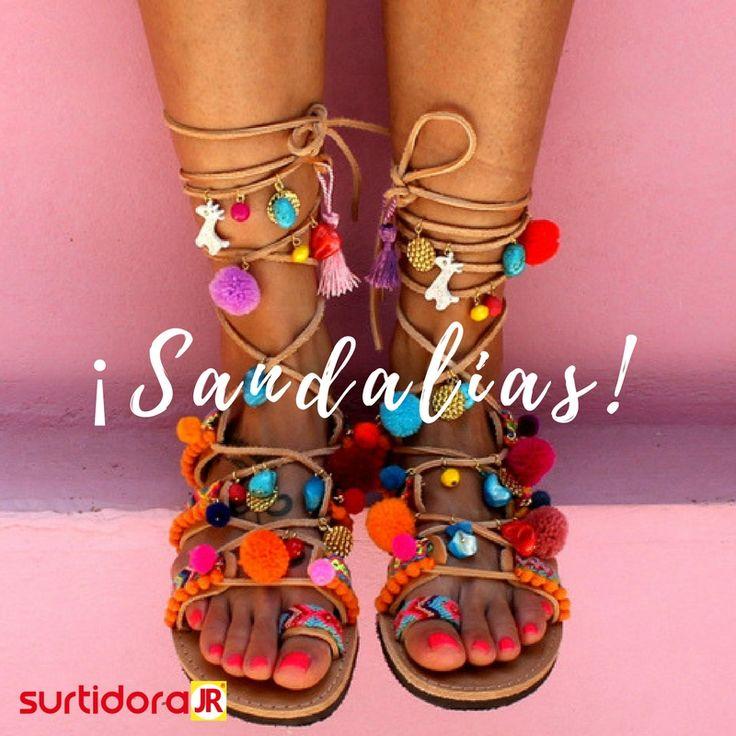 ¡Sandalias! Es momento de sacar tus sandalias darle un look moderno y disfrutar de las cálidas temperaturas de la ciudad ¡Tus outfit estarán completos!
