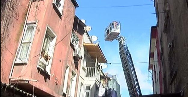 Beyoğlu'nda korkunç yangın: 3 çocuk öldü